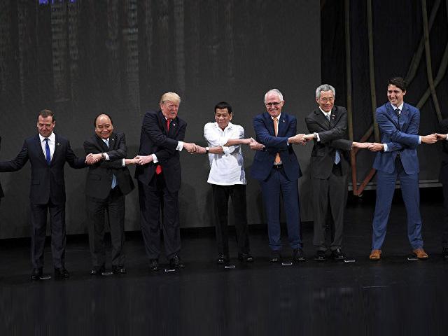 31-й саммит АСЕАН открылся традиционным совместным фото лидеров
