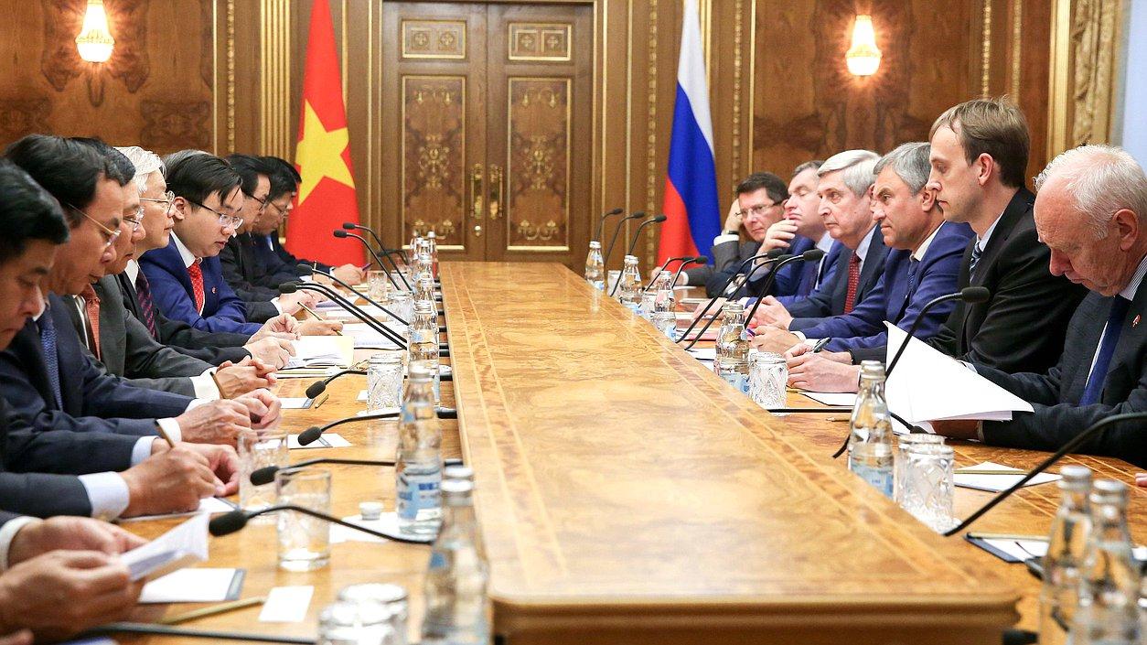Вячеслав Володин предложил создать межпарламентскую комиссию высокого уровня с Вьетнамом