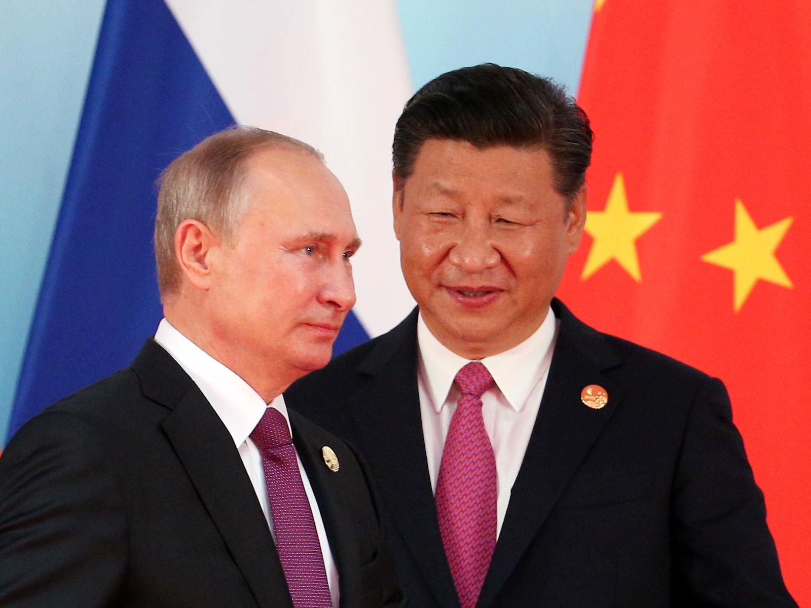 Россия и Китай подписали девять документов о сотрудничестве в культурно-гуманитарной сфере