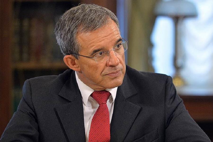 Французские политики во главе с Тьерри Мариани направляются в Крым